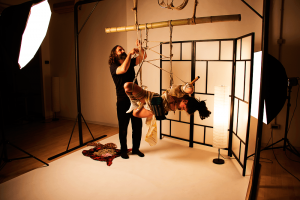 Shibari Loft ha uno studio fotografico per scattare foto di shibari a Treviso